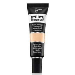 it Cosmetics Bye Bye Under Eye. Light natural